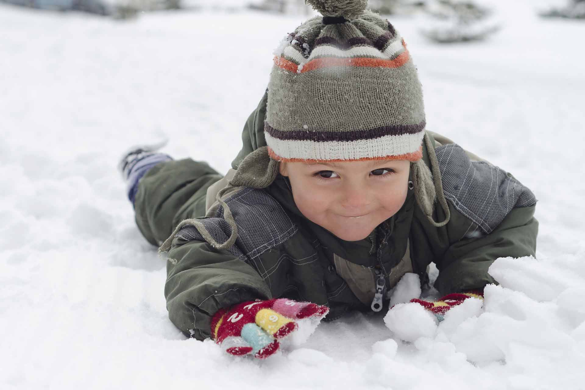 10-things-to-do-with-your-child-in-winter